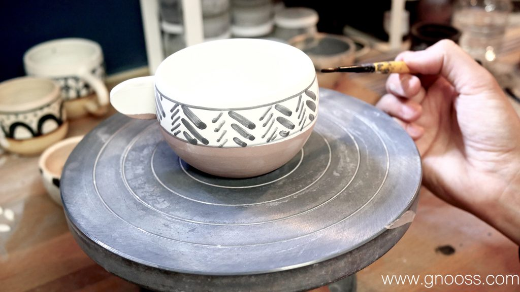 CaroleK-portrait-atelier-céramique-eshop-gnooss